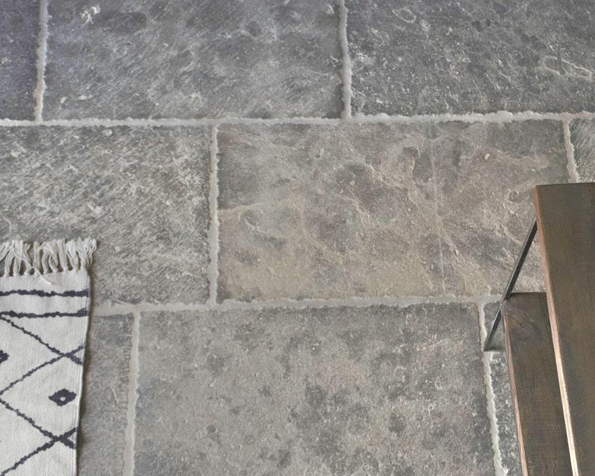 Pyrenees Grey Limestone with Vieux Patrimoine Finish