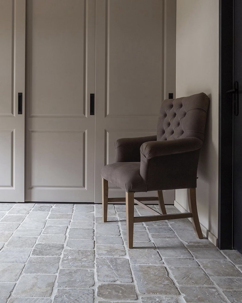 Grey Bordeaux Cobblestones