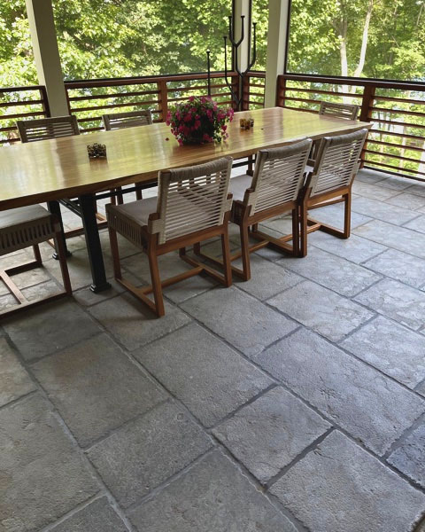 Pyrenees Grey limestone with old heritage finish